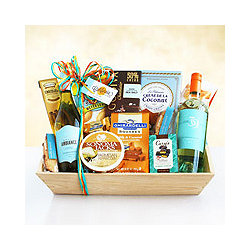 White Wine Fan Favorites Gift Basket
