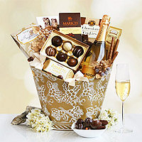 California Chandon Golden Desserts Gift Basket